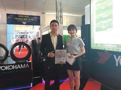 Game bong da hut khach tai Vietnam Motor Show - Anh 2