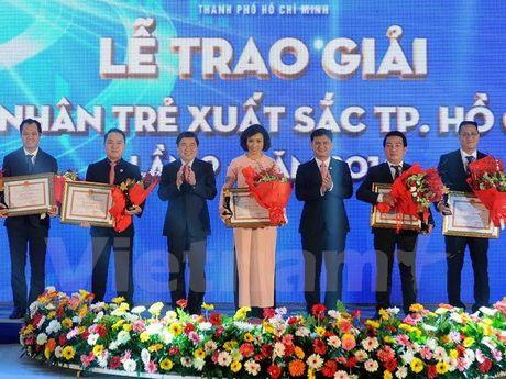 Trao giai Doanh nhan tre xuat sac Thanh pho Ho Chi Minh nam 2016 - Anh 1