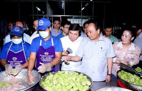 Thu tuong bat ngo lam thuc khach tai quan an duong pho o TP.HCM - Anh 5