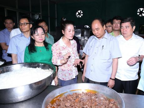 Thu tuong bat ngo lam thuc khach tai quan an duong pho o TP.HCM - Anh 6