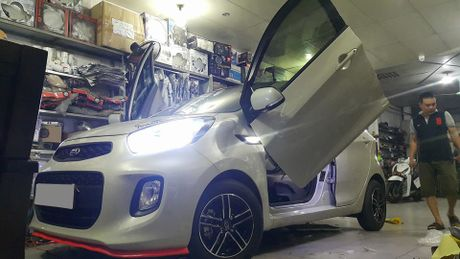 Them mot dan choi Thanh Hoa do cua cat keo Lamborghini cho Kia Morning, chi phi 15 trieu Dong - Anh 2