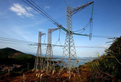 Vinh danh nhung nguoi xay dung Duong day 500 kV Bac - Nam - Anh 2