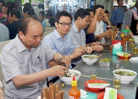 Thu tuong thi sat cong tac bao dam an toan thuc pham tai TP Ho Chi Minh - Anh 1