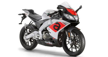 Aprilia Tuono 125 - Moto co nho den tu nuoc Y - Anh 2