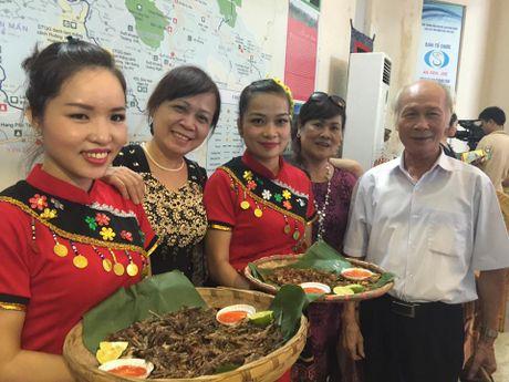Khai mac 'Le hoi ban sac, qua khu va hien tai cac vung mien Que huong Viet Nam' - Anh 2