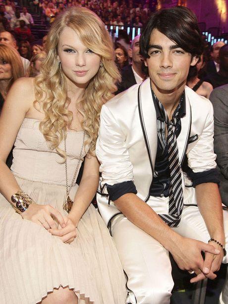 Taylor Swift va Demi Lovato - Ngan le mot thu doan xau tinh - Anh 6