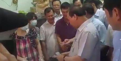 Thu tuong khong nhan 'qua bieu' cua chu tiem cha gio - Anh 1