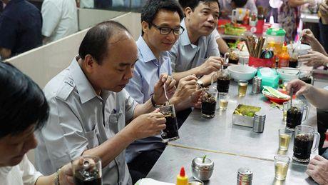 Thu tuong khong nhan 'qua bieu' cua chu tiem cha gio - Anh 5