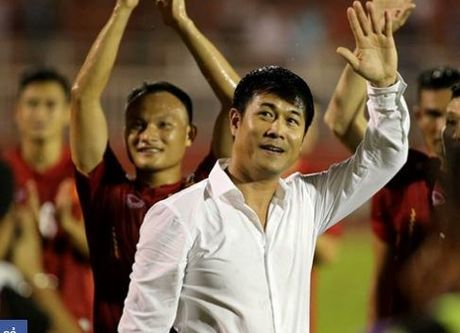 Viet Nam VS Indonesia: Cuoc tai ngo day cam xuc cua Huu Thang va thay Riedl - Anh 1