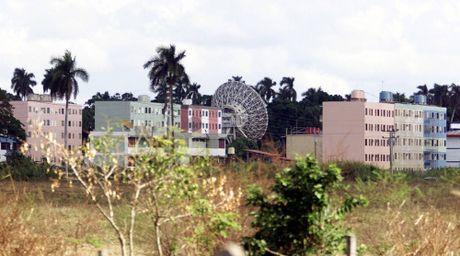 Ha vien Nga ban chuyen quay lai can cu quan su o Cam Ranh, Cuba - Anh 3