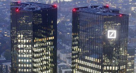 Phai chang Deutsche Bank dang tren bo vuc sup do? - Anh 1