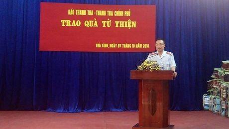 Bao Thanh tra tang qua cho cac em hoc sinh co hoan canh kho khan tai Cao Bang - Anh 3