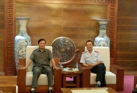 Bao Thanh tra tang qua cho cac em hoc sinh co hoan canh kho khan tai Cao Bang - Anh 4