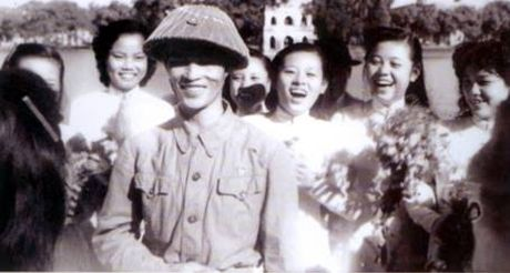 62 nam Giai phong Thu do: Nhung hinh anh khong the nao quen - Anh 9