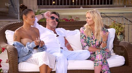 Simon Cowell 'hung gach' khi yeu cau thi sinh X-Factor thao makeup tren song truyen hinh - Anh 1