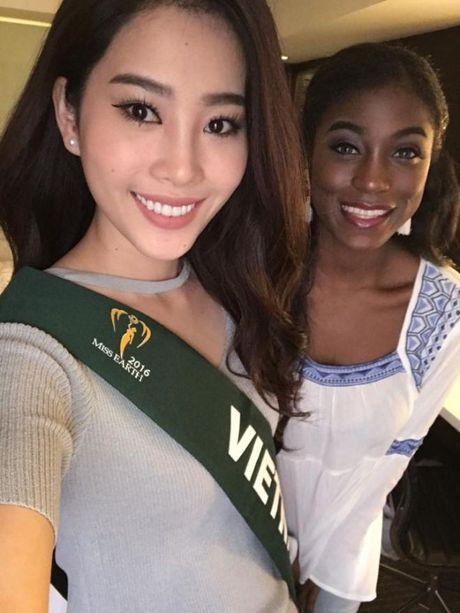 Nam Em dien bikini khoe than hinh nong bong tai Miss Earth 2016 - Anh 6