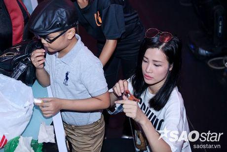 Dong Nhi tu tay may do cho hoc tro, Khanh Ngoc - Thuy Binh lot xac bat ngo - Anh 21
