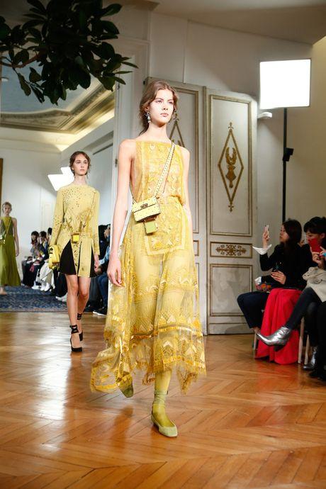 Chanel bi 'out' khoi Top cac BST xuat sac nhat tai Tuan le thoi trang Paris - Anh 11