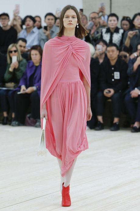 Chanel bi 'out' khoi Top cac BST xuat sac nhat tai Tuan le thoi trang Paris - Anh 24