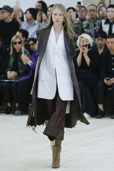 Chanel bi 'out' khoi Top cac BST xuat sac nhat tai Tuan le thoi trang Paris - Anh 25