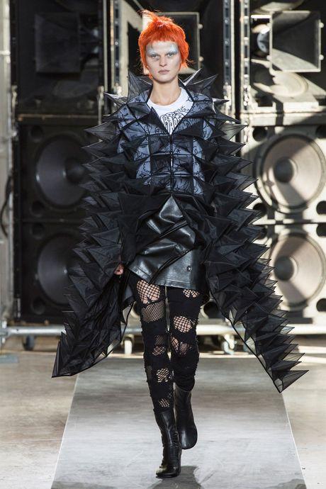 Chanel bi 'out' khoi Top cac BST xuat sac nhat tai Tuan le thoi trang Paris - Anh 27