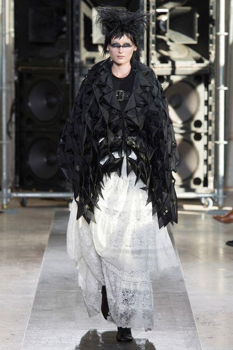 Chanel bi 'out' khoi Top cac BST xuat sac nhat tai Tuan le thoi trang Paris - Anh 29