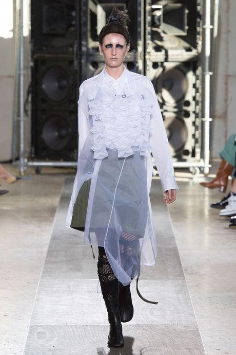 Chanel bi 'out' khoi Top cac BST xuat sac nhat tai Tuan le thoi trang Paris - Anh 31