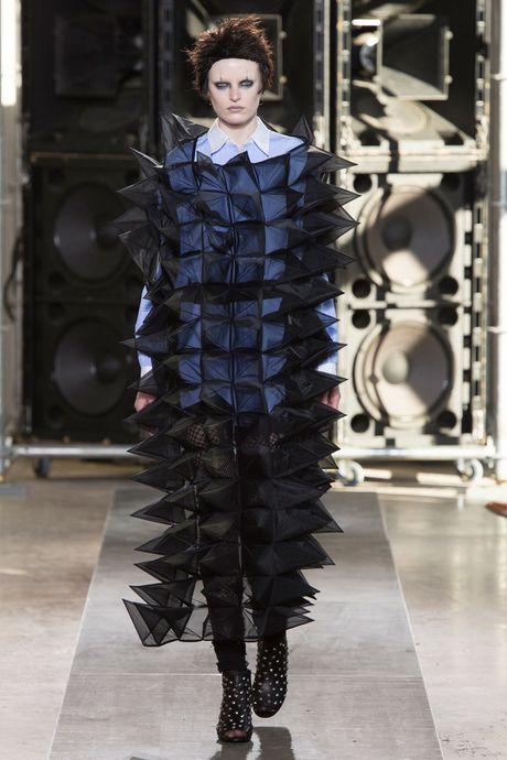 Chanel bi 'out' khoi Top cac BST xuat sac nhat tai Tuan le thoi trang Paris - Anh 32