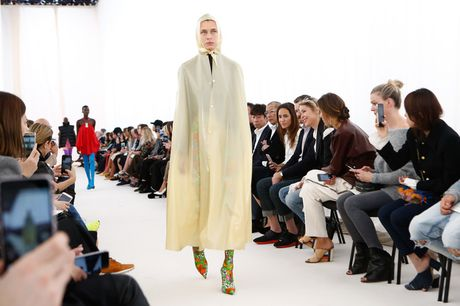 Chanel bi 'out' khoi Top cac BST xuat sac nhat tai Tuan le thoi trang Paris - Anh 5