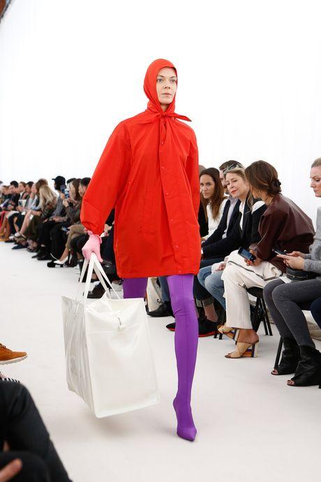 Chanel bi 'out' khoi Top cac BST xuat sac nhat tai Tuan le thoi trang Paris - Anh 6