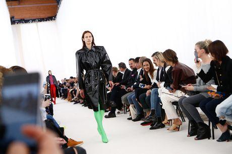 Chanel bi 'out' khoi Top cac BST xuat sac nhat tai Tuan le thoi trang Paris - Anh 7