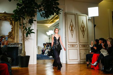 Chanel bi 'out' khoi Top cac BST xuat sac nhat tai Tuan le thoi trang Paris - Anh 8