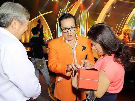 Elvis Phuong len tieng ve ban nhac Phuong Hoang - Anh 1