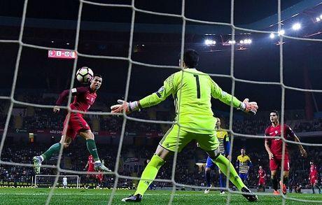 Bo Dao Nha 6–0 Andorra: Cristiano Ronaldo lap 'poker' ngay tro lai - Anh 2