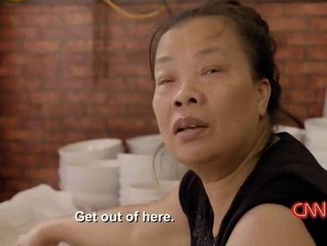 """Ve """"dac san ky quac"""" bun mang chao chui o Ha Noi: Ban su xuc pham thi ai se mua? - Anh 2"""