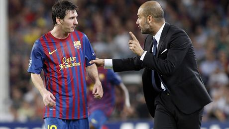 Messi tranh thu ra mat giay 'doc' trong thoi gian duong thuong - Anh 10