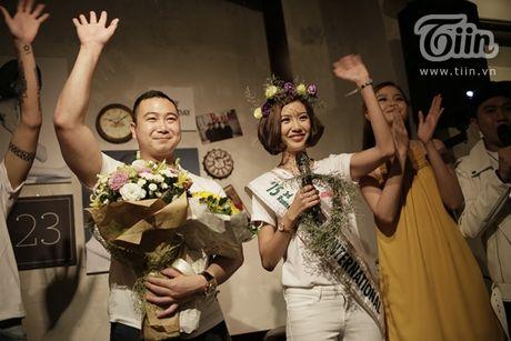 Thuy Van hanh phuc ben ban trai dai gia trong buoi offline fan - Anh 4