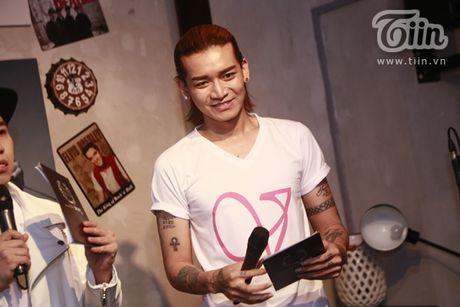 Thuy Van hanh phuc ben ban trai dai gia trong buoi offline fan - Anh 7