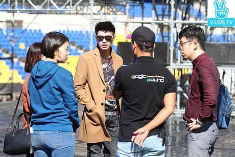Noo Phuoc Thinh dep trai khong kem sao Han tren san tap Asia Song Festival - Anh 11
