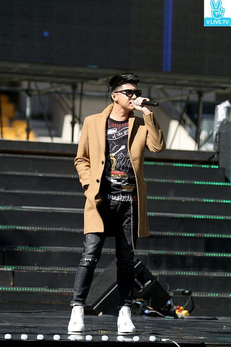 Noo Phuoc Thinh dep trai khong kem sao Han tren san tap Asia Song Festival - Anh 2
