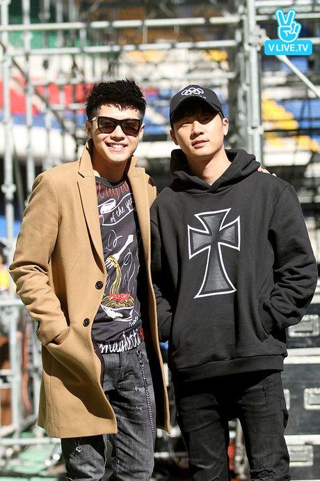 Noo Phuoc Thinh dep trai khong kem sao Han tren san tap Asia Song Festival - Anh 4