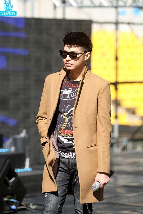 Noo Phuoc Thinh dep trai khong kem sao Han tren san tap Asia Song Festival - Anh 9