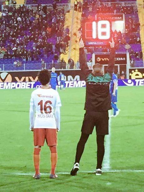 """Ngo ngang """"Pogba 14 tuoi"""" da ra mat doi 1 Galatasaray - Anh 1"""