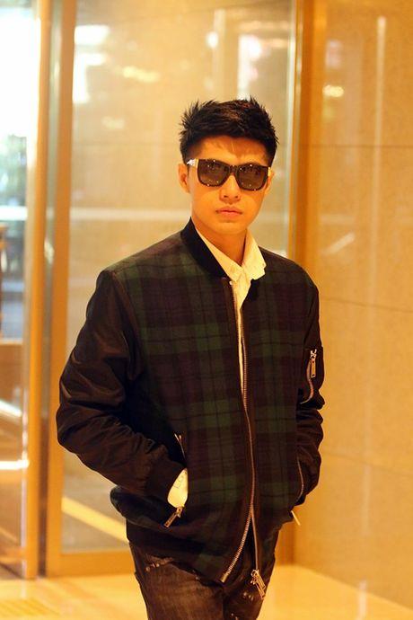Vua xong 'Giong hat Viet nhi', Noo Phuoc Thinh tat bat ra san bay di Busan - Anh 6