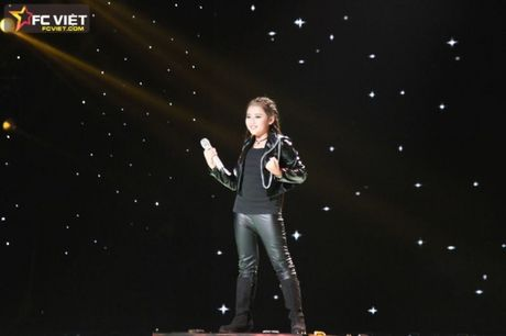Liveshow 4 'The Voice Kids': Chiara, Bang Giang 'nam tay' nhau ra ve trong tiec nuoi - Anh 10