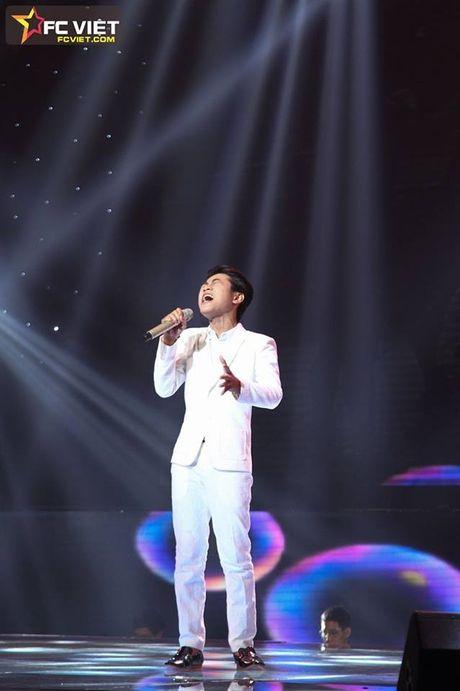 Liveshow 4 'The Voice Kids': Chiara, Bang Giang 'nam tay' nhau ra ve trong tiec nuoi - Anh 13