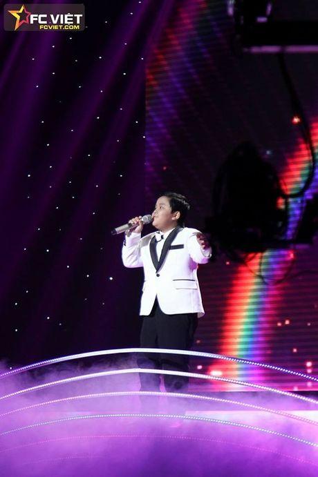 Liveshow 4 'The Voice Kids': Chiara, Bang Giang 'nam tay' nhau ra ve trong tiec nuoi - Anh 18