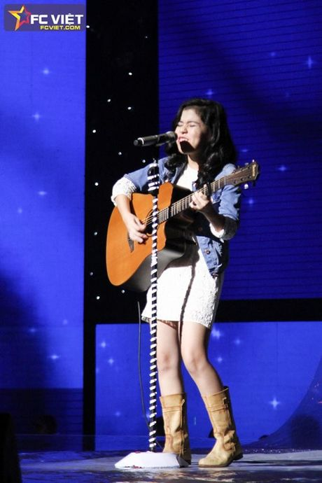Liveshow 4 'The Voice Kids': Chiara, Bang Giang 'nam tay' nhau ra ve trong tiec nuoi - Anh 8