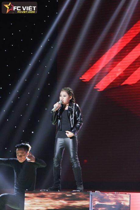 Liveshow 4 'The Voice Kids': Chiara, Bang Giang 'nam tay' nhau ra ve trong tiec nuoi - Anh 9