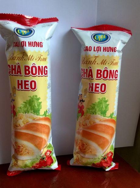 """Cong ty banh mi """"Cao Loi Hung"""" xin loi nguoi tieu dung vi nham lan o khau dong ngay - Anh 1"""